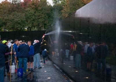 NDTA volunteers clean the Vietnam Veterans Memorial, Oct. 28, 2017. (Photo by Rebecca Jones)