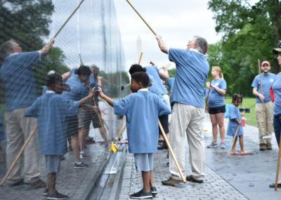 NDTA volunteers clean the Vietnam Veterans Memorial, May 20, 2017. (Photo by Rebecca Jones)